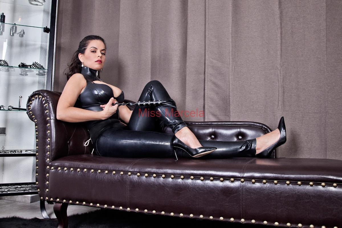 Miss-Marcela-Latex-5
