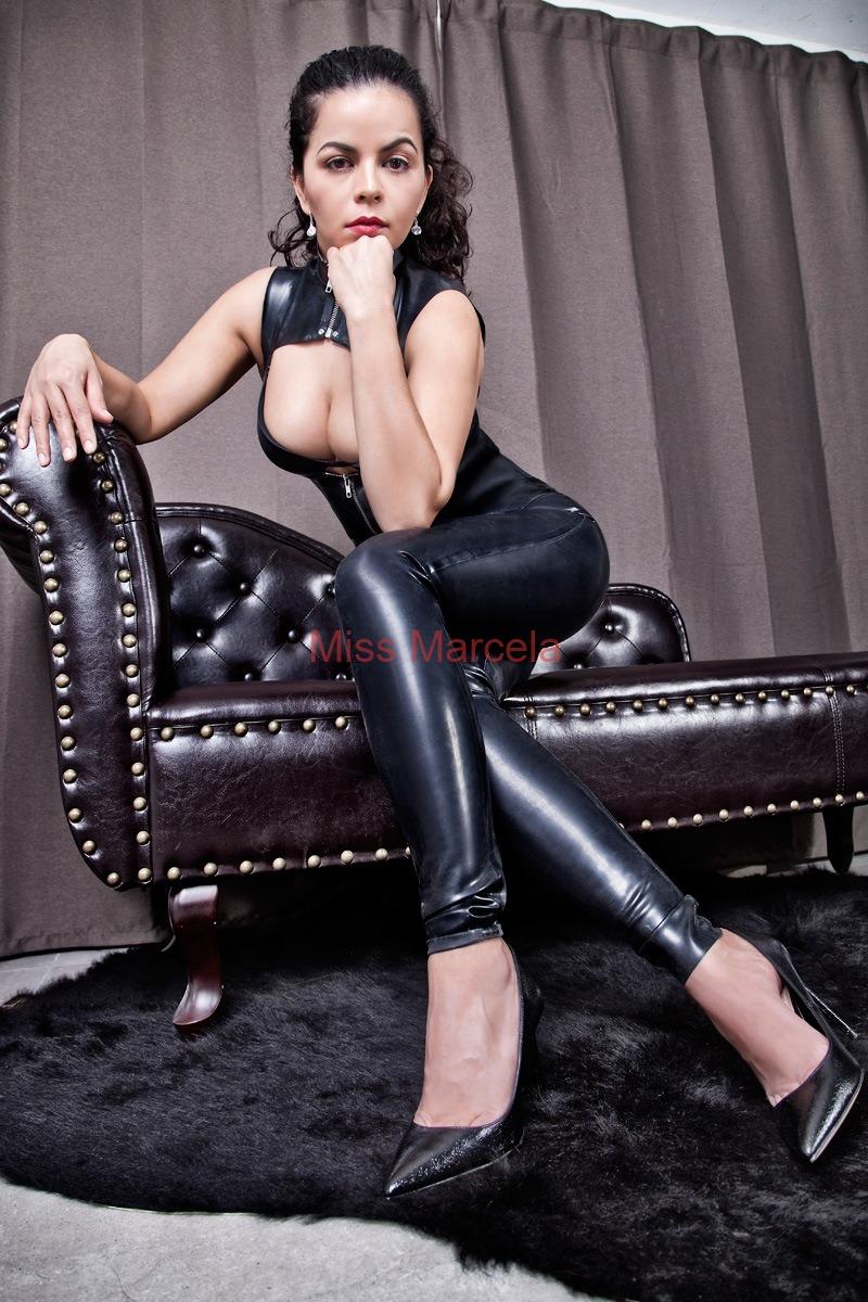 Miss-Marcela-Latex-7