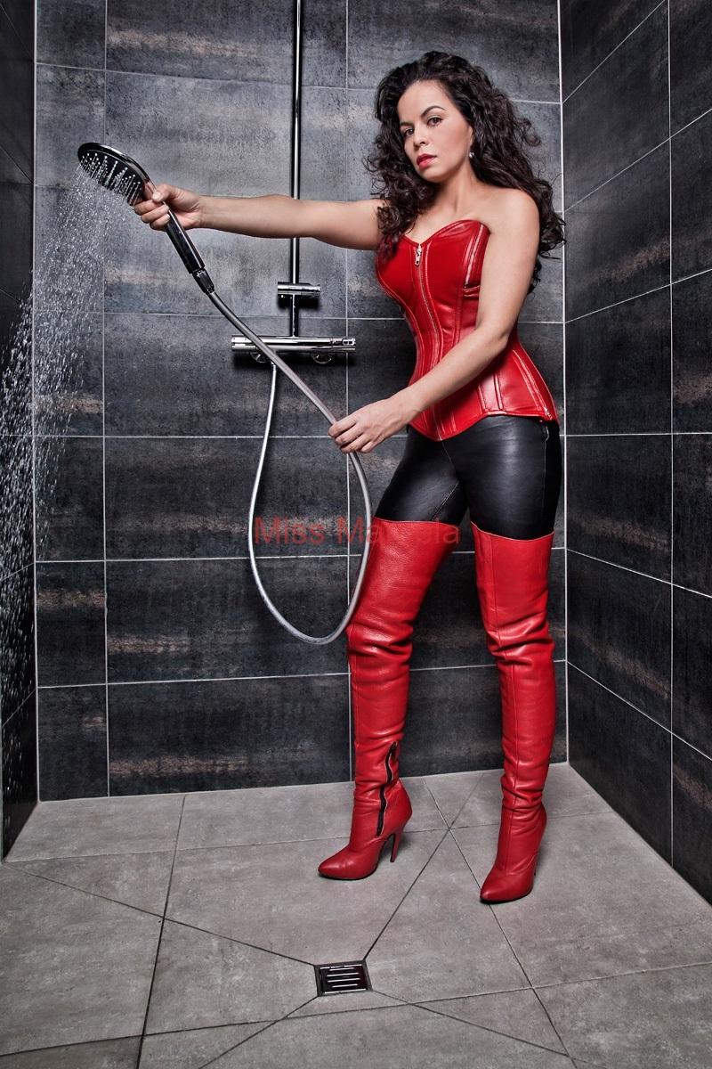 Miss-Marcela-Leder-10