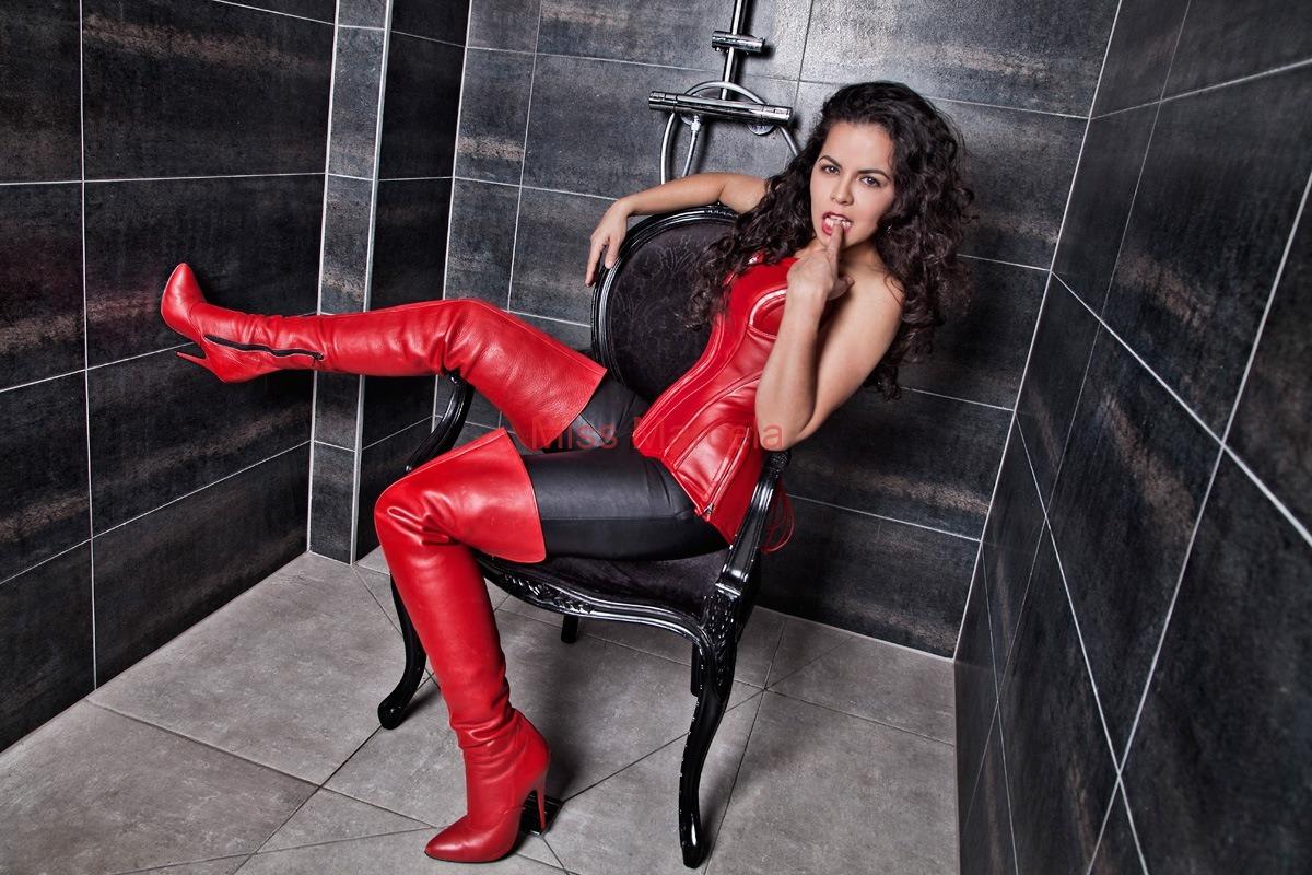 Miss-Marcela-Leder-7