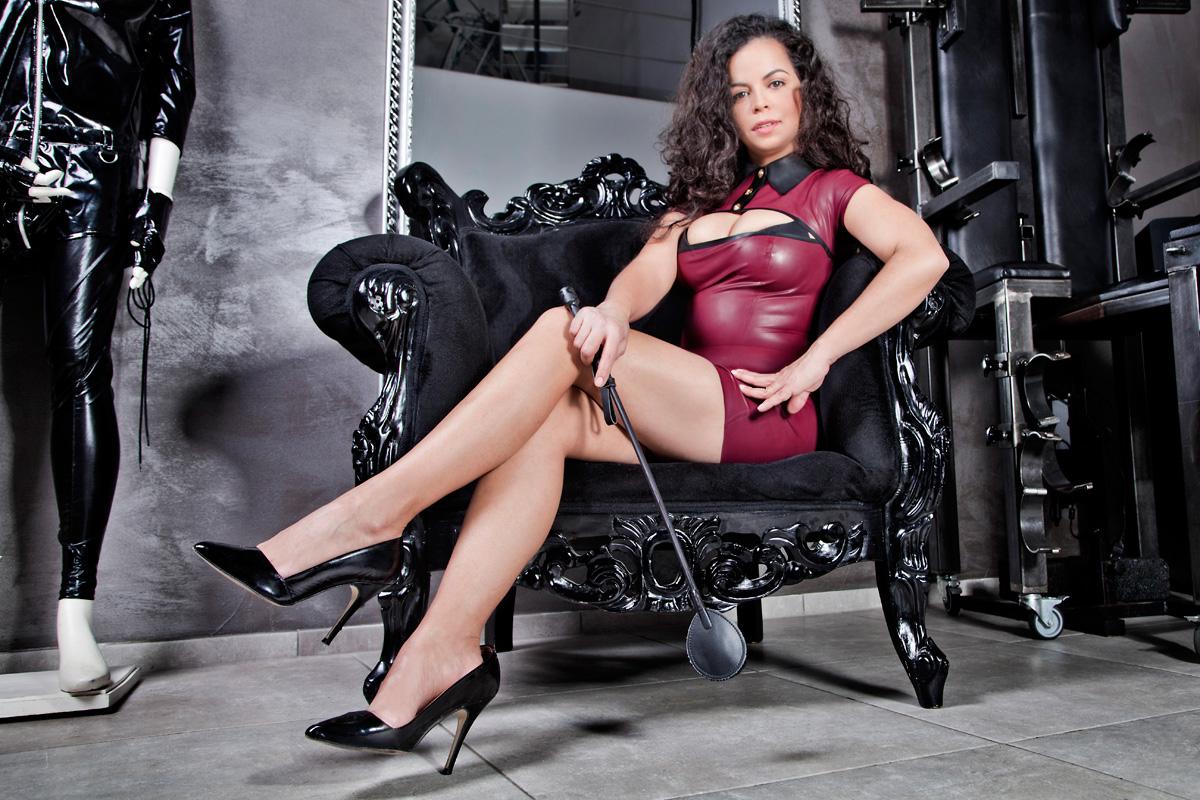 Klassische Domina Miss Marcela